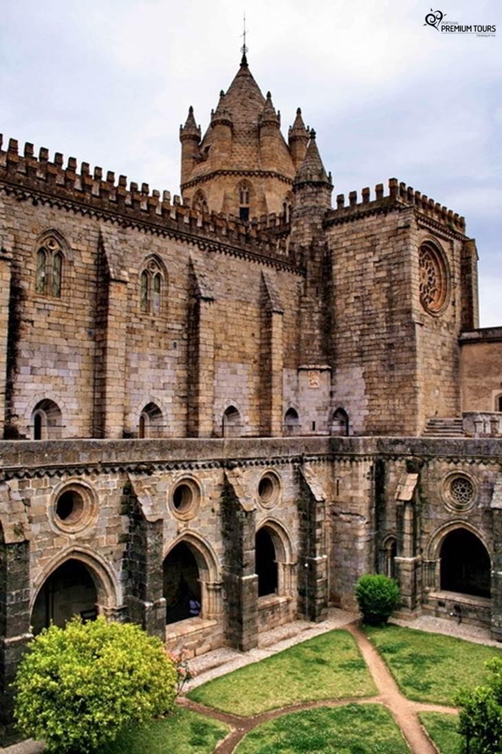 Walking Tours In Evora Portugal