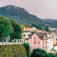 portuguese-gravity sintra village guided tour